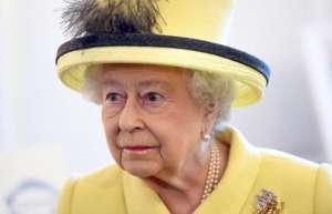 2291643ed94fe الصلاحيات السياسية التي تتمتع بها الملكة اليوم رمزية الى حد بعيد، ولو ان  الملكة تستخدم بعضها فعليا كما في حال اجراء الانتخابات العامة، أو قد تكون  متوفرة لها ...