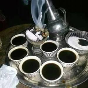 d1f3adc60 بالرغم من تنوع القهاوي عربية ,وحبشية …لكن ستظل قهوتنا السودانية لها طعم  ومذاق ونكهة خاصة باقية علي مر الازمان تخريمة خرمان